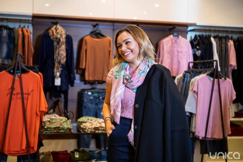 Foto: Shopping la viteză cu interpreta Cornelia Ștefăneț
