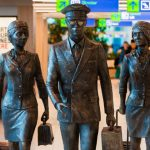 Foto: O sculptură inedită a apărut la Aeroportul Internațional Chișinău. Foto
