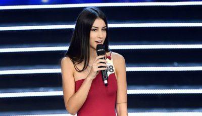 Finalista Miss Italia 2018 – un model cu proteză la picior, criticată dur