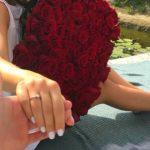 Foto: O interpretă de acasă a fost cerută în căsătorie! Află cine e fericita