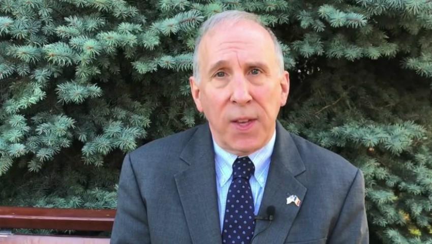 James Pettit, ambasadorul SUA la Chișinău și-a încheiat mandatul în țara noastră. Vezi mesajul de adio rostit în limba română