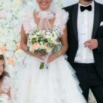 Foto: Rochia de mireasă care a șocat publicul! Cum s-a îmbrăcat la nuntă o artistă din Rusia