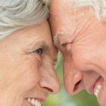 Foto: De Ziua Internaţională a Persoanelor Vârstnice, marca comercială Tena oferă gratis produse de îngrijire!