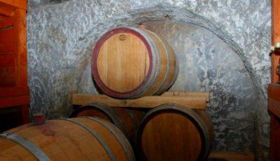 Atenție la gazul toxic emanat în timpul fermentaţiei vinului! Cum se face testul lumânării