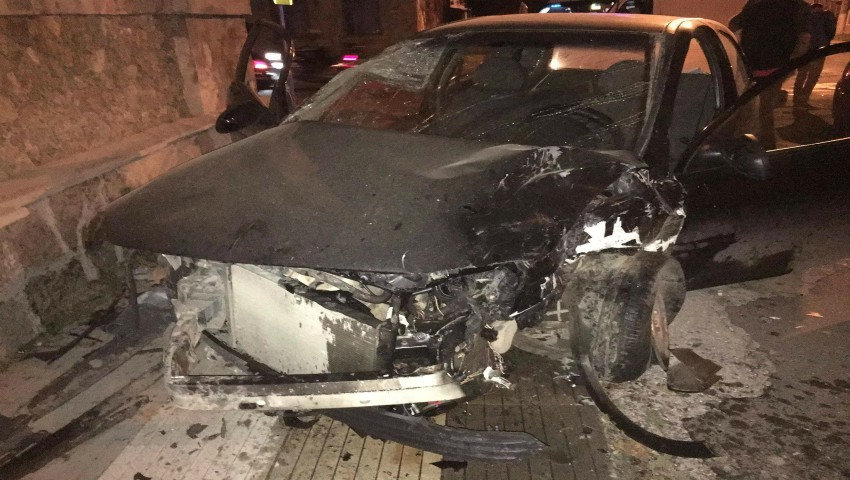 Foto: Accident violent pe o stradă din Capitală