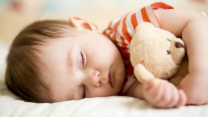 O mamă explică alegerea sa de a-și culca copiii la 7:30 seara