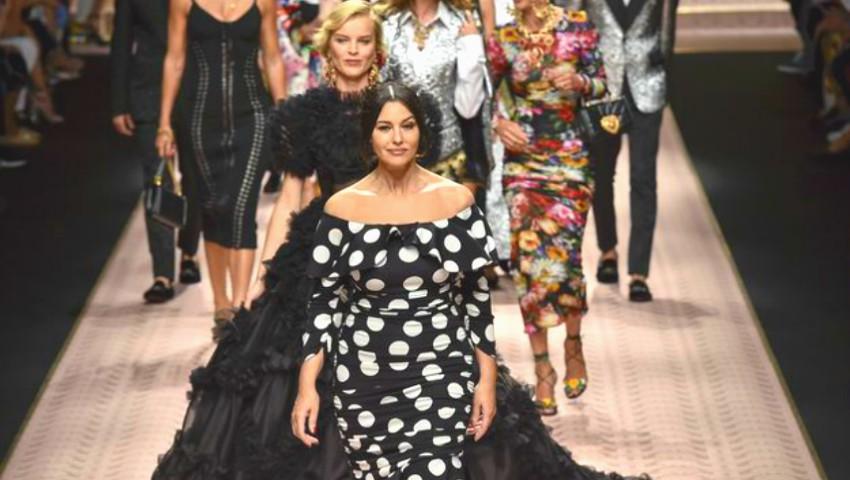 Foto: Divele anilor '90 au arătat impecabil pe podium, la Milan Fashion Week