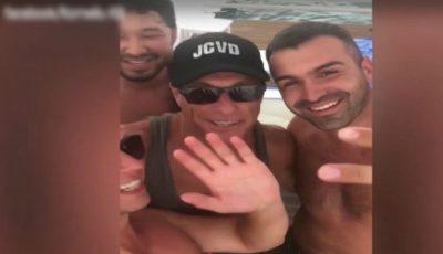Un grup de moldoveni aflați la plajă în Turcia au avut parte de surpriza vieții lor! L-au întâlnit pe actorul Jean-Claude Van Damme