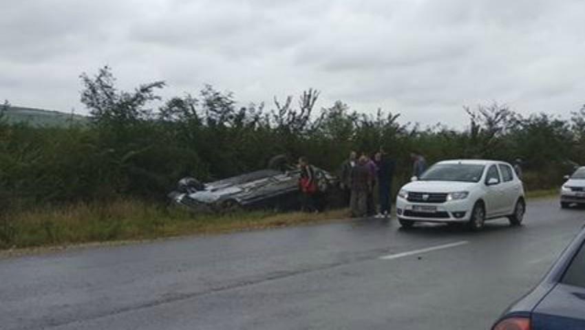Foto: Grav accident: mașina cu care se deplasa Președintele Republicii Moldova s-a răsturnat, în apropiere de Strășeni
