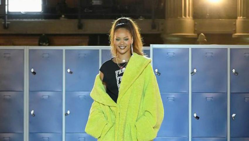Rihanna a lansat o colecție de haine pentru adolescenți