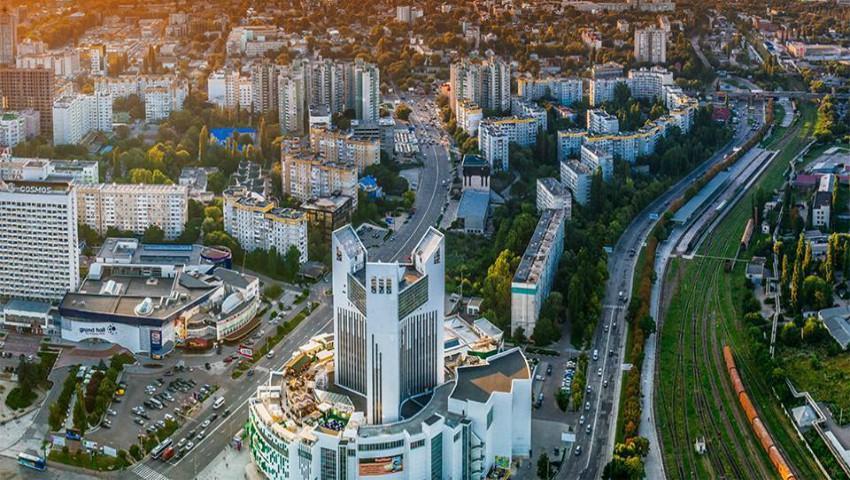 Foto: În Chișinău vor fi instalate staţii noi de colectare a PET-urilor și palmieri solari de generare a energiei electrice