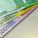 Foto: Cum arată noile bancnote de 100 și 200 de euro?