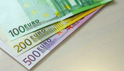 Cum arată noile bancnote de 100 și 200 de euro?