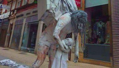 """În Spania a apărut un monument al ,,Mamei aflate în concediul de creștere a copilului"""". Foto"""