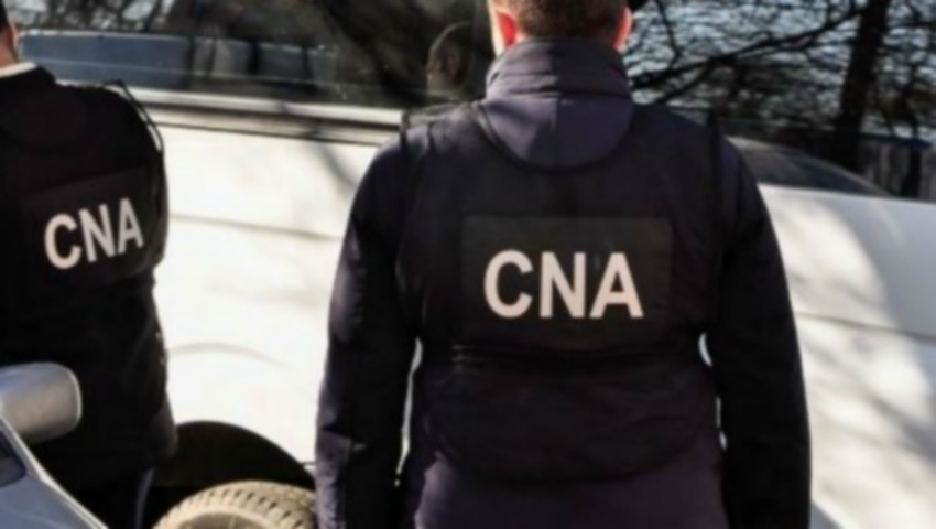 Foto: Cinci profesori din Chișinău au fost reținuți de CNA
