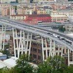 Foto: Panică într-un oraș din Italia. Autorităţile au oprit traficul pe un pod care riscă să se prăbușească
