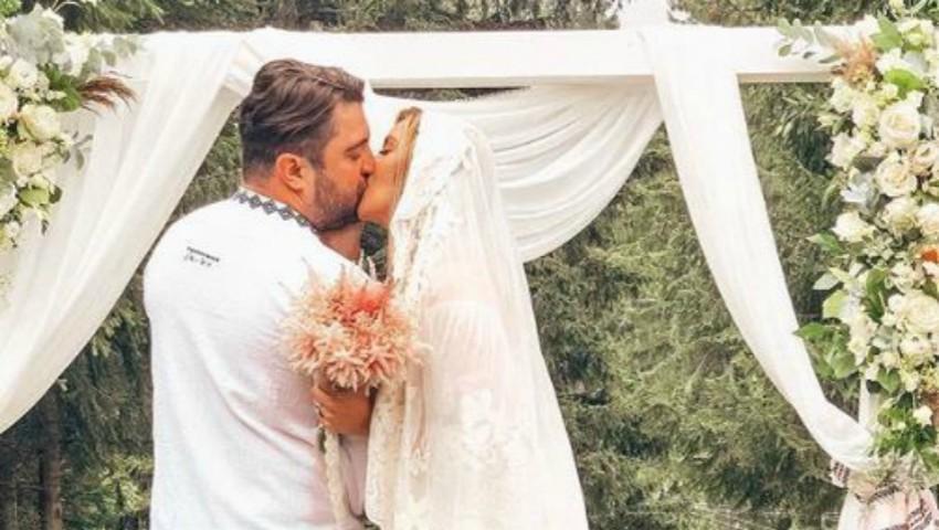 Foto: Actrița Diana Dumitrescu s-a căsătorit! Vezi ce rochie a purtat la eveniment