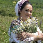 Foto: La mulți ani, Ioana Căpraru! Interpreta de muzică populară este astăzi omagiată