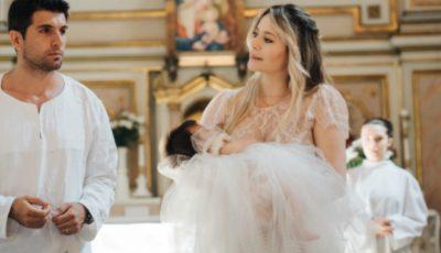 Laura Cosoi a dezvăluit imagini noi de la botezul fiicei sale
