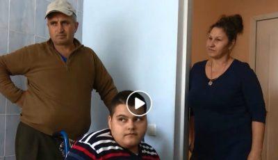 O familie cu trei copii vă cere ajutor! Tatăl a fost diagnosticat cu cancer, iar feciorul de 17 ani este țintuit într-un scaun cu rotile