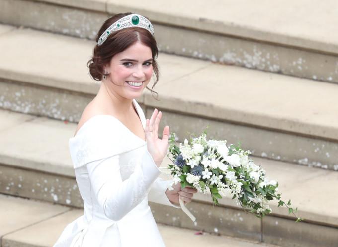 Vezi Ce Rochie De Mireasă A Purtat Verișoara Prinților William și