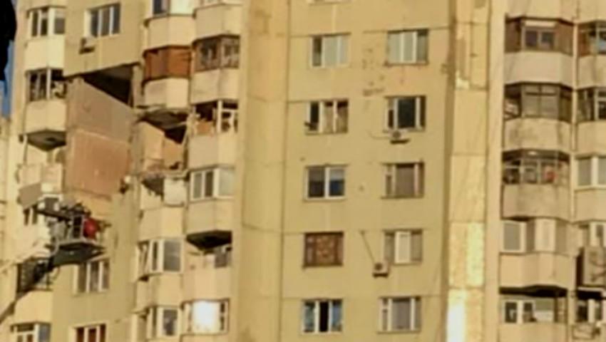Foto: Explozia din sectorul Rîșcani: trei locătari aflați în căutare, ar putea fi printre dărâmături