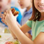 Foto: Alimentația copiilor din școli și grădinițe: autoritățile pregătesc introducerea serviciului de catering