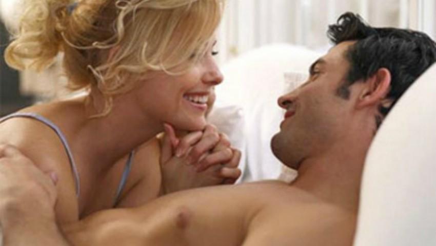 Foto: Sondaj: Două poziții intime pe care bărbații le adoră