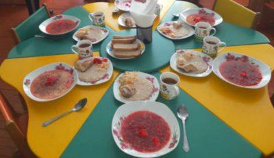 Cum arată, în prezent, meniul copiilor de la grădinițe: părinții se declară mulțumiți