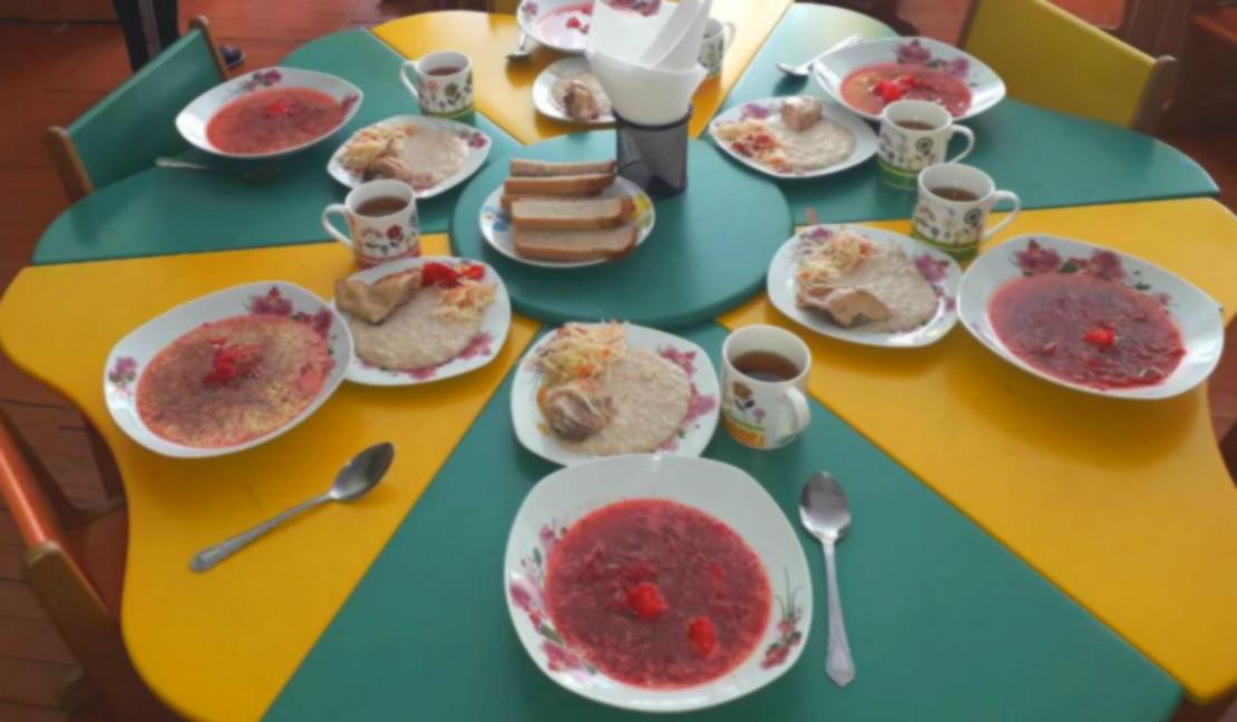 Foto: Cum arată, în prezent, meniul copiilor de la grădinițe: părinții se declară mulțumiți