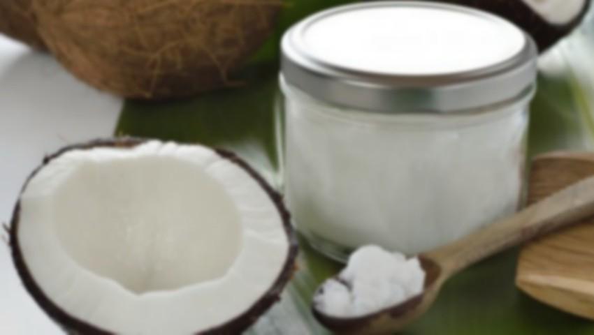 """Foto: Un profesor de medicină atrage atenția asupra consumului de ulei de cocos: """"Este otrăvitor"""""""