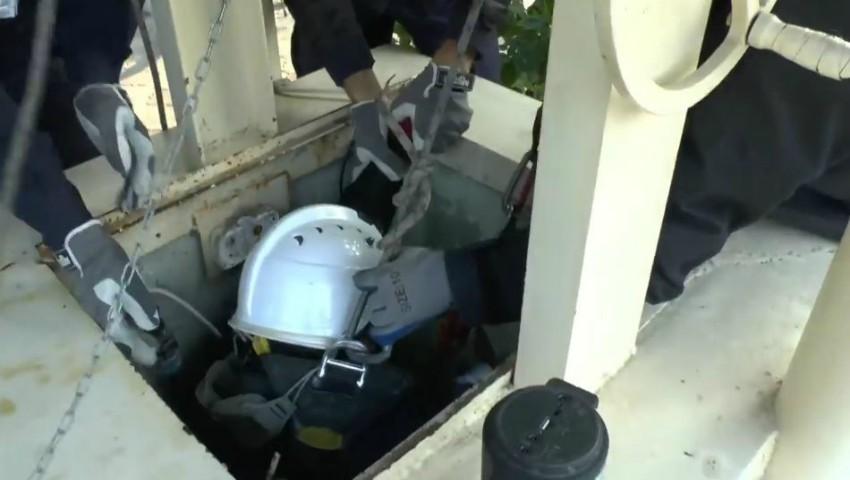 Video. Un bărbat din Grătiești a fost scos dintr-o fântână, de la 9 metri adâncime