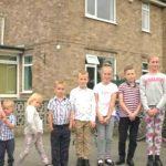 Foto: În ce condiții trăiește o familie cu zece copii, considerată una dintre cele mai sărace în Marea Britanie?
