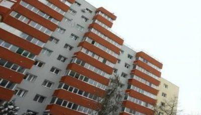 Sinistrații vor putea locui doar temporar, în apartamentele cumpărate de către Primărie