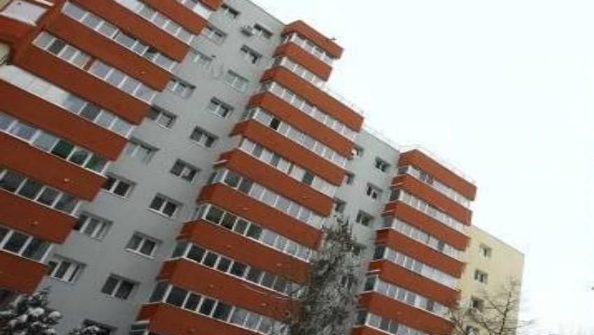 Foto: Sinistrații vor putea locui doar temporar, în apartamentele cumpărate de către Primărie