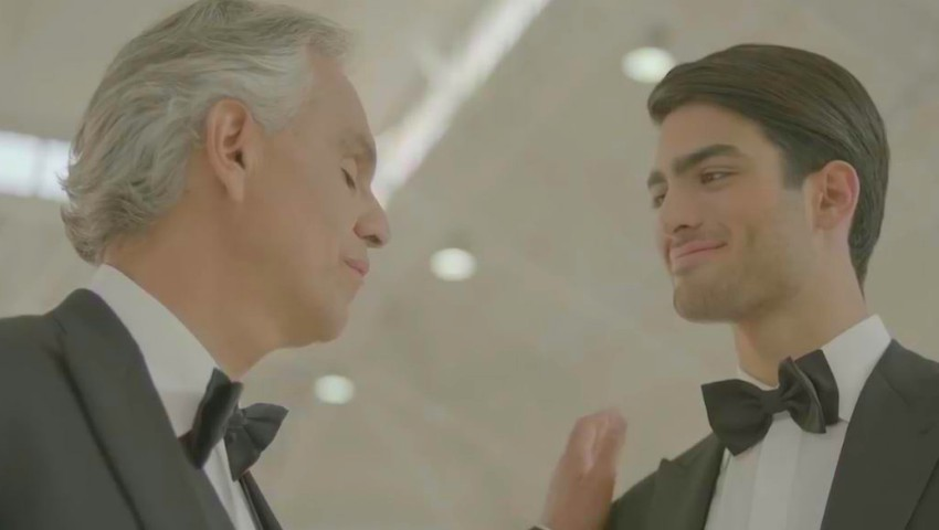 Foto: Video emoționant, până la lacrimi! Andrea Bocelli cântă în duet cu fiul său
