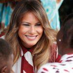 Foto: Melania Trump criticată dur pentru ținutele ei! Aceasta a purtat o rochie în valoare de peste 2000 de euro în vizită la copiii săraci din Ghana