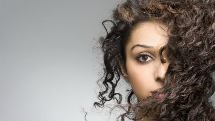 Foto: Trucuri cum să îți ondulezi corect părul
