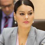Foto: Alina Zotea a devenit mămică!