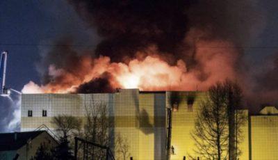 Alertă în Rusia! Incendiu într-un mall. Peste 400 de persoane au fost evacuate