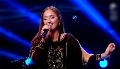 """O moldoveancă a interpretat inedit melodia """"Lie, ciocârlie"""", cu vocea și la saxofon"""