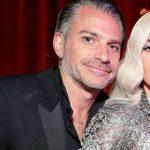 Foto: Lady Gaga se mărită! Vezi cum arată inelul pe care l-a primit în dar