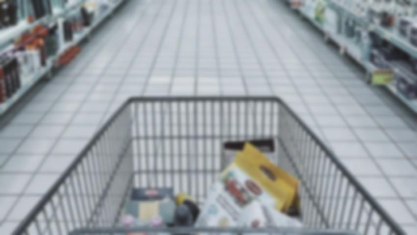 Foto: Șocant. Un individ a otrăvit mai multe produse dintr-un magazin