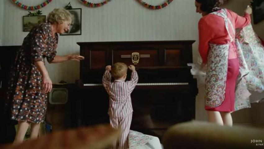 Foto: Video! A apărut cea mai emoționantă reclamă de Crăciun, care oglindește viața lui Elton John