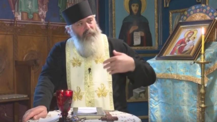 """Foto: Dezvăluirile Părintelui Calistrat: ,,Dacă posteşti cu lapte de post, brânză de post, crenvurşti de post … iată pericolul"""""""