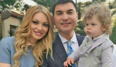 Valentina Pelinel își arată burtica de gravidă, fiind însărcinată cu gemeni