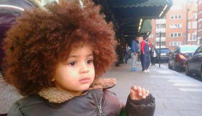 Un băiețel de 6 ani face furori cu părul său deosebit