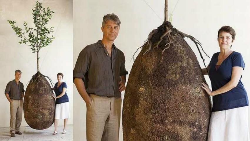 Înmormântare fără sicrie. În viitor, acest sac organic va transforma omul într-un copac, după ce va muri
