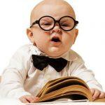 """Foto: Unii părinți îmi spun: """"Îl învăț pe fiul meu de doi ani să citească!"""" Iar le eu răspund: """"Ei bine, ești un prost!"""""""