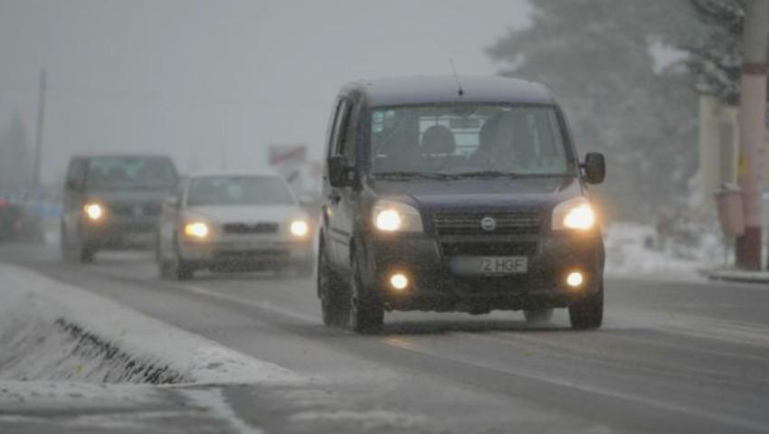 Foto: Atenție, șoferi! Vine iarna și se va circula în condiții de lapoviță. Avertismentul poliției rutiere